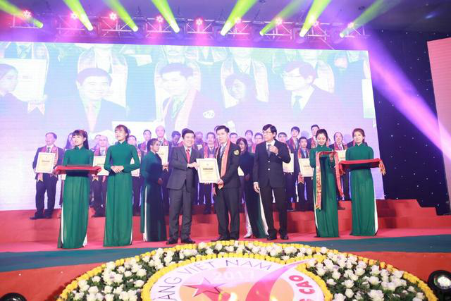 Ông Cao Anh Quý – Giám đốc ANTONA vinh dự nhận danh hiệu HVNCLC năm 2017