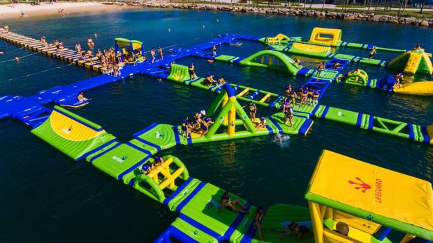 Vịnh Phao Nổi - Vinpearl Land Nha Trang đã phá vỡ kỷ lục của Dubai để trở thành vịnh phao lớn nhất thế giới