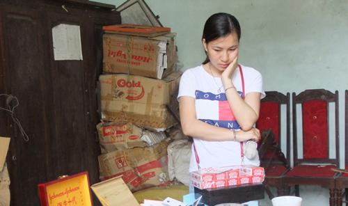 Chủ cửa hàng khai mua thiết bị từ Trung Quốc về lắp ráp, bán kiếm lời. Ảnh: M. Hà.