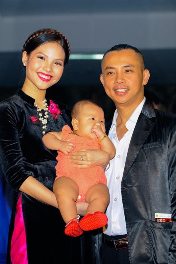 Sau khi kết hôn, Chí Anh mong muốn vợ là người chăm sóc gia đình, con cái hơn là một người bạn nhảy của mình.