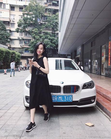 Tuy nhiên với sự động viên của gia đình và bạn bè, Ly Kute đã quyết định ở lại Việt Nam, hạ sinh bé Khoai Tây và tiếp tục công việc kinh doanh, buôn bán của mình với shop thời trang từng nổi như cồn tại Hà Nội.