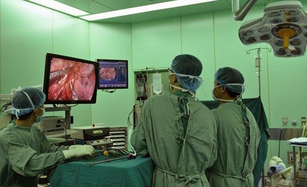 Một ca mổ nội soi ung thư dạ dày được các chuyên gia hàng đầu Nhật Bản phối hợp với BV K thực hiện