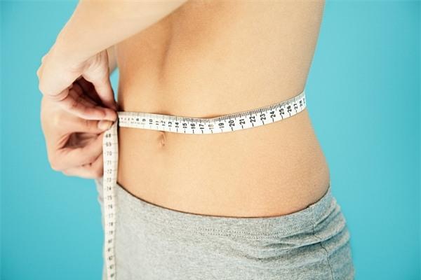 Phụ nữ sỡ hữu số đo vòng eo lên tới 90cm có nguy cơ mắc chứng gan nhiễm mỡ cao hơn hẳn so với những người khác.