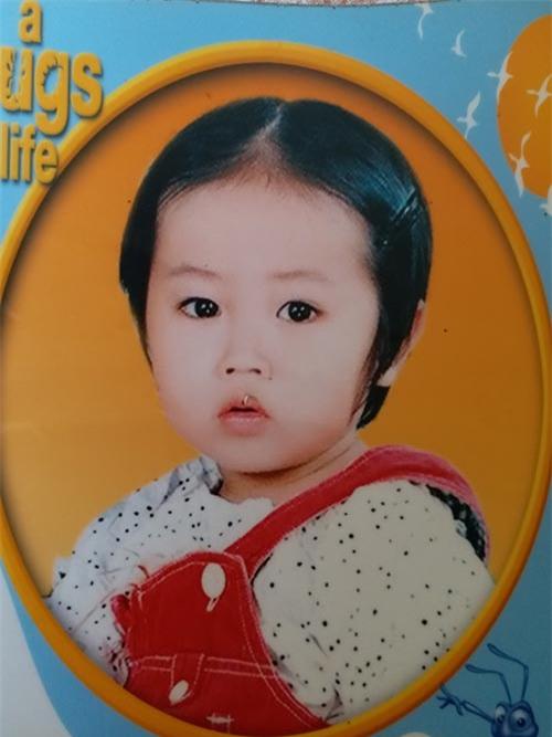 Thời điểm cháu Thương bị mẹ bỏ lại cho vú nuôi.