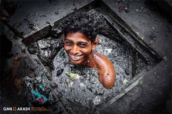 Dọn cống ở Bangladesh bị coi là công việc vất vả và bẩn thỉu nhất trên thế giới. Ảnh minh họa/GMB Akash