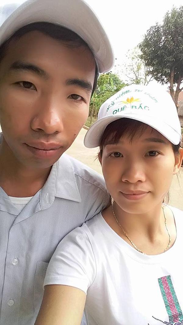 Hai vợ chồng chị Hương.