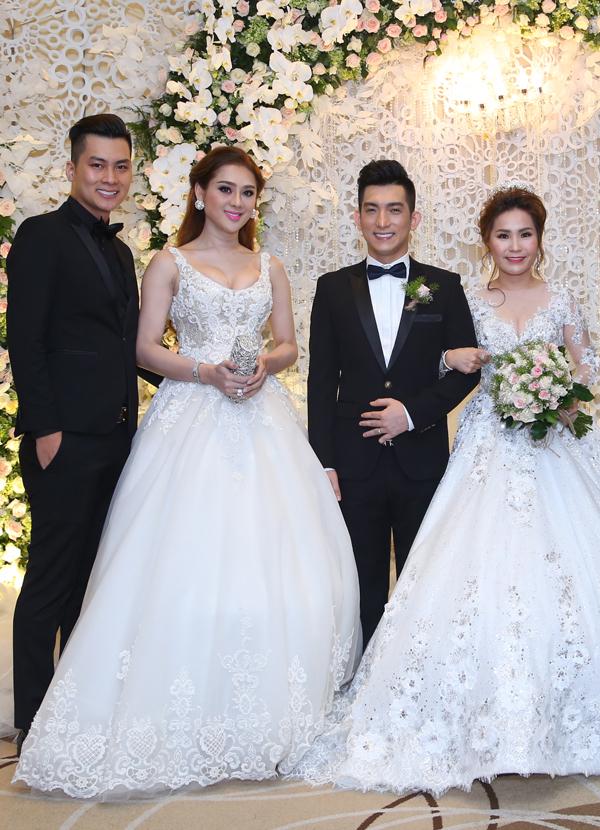 Lâm Khánh Chi mặc sexy, cùng chồng sắp cưới tên Ken tới chúc mừng Bảo Duy.