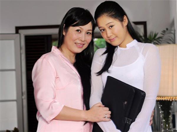 Ngoài gương mặt xinh xắn, tính cách dễ thương, Xí Ngầu còn sở hữu chiều cao nổi bật 1m78. Có thời gian, cô được bạn bè, người thân khuyên đi thử sức với các cuộc thi hoa hậu. Tuy nhiên, Xí Ngầu lại thích trải nghiệm với công việc của một diễn viên.