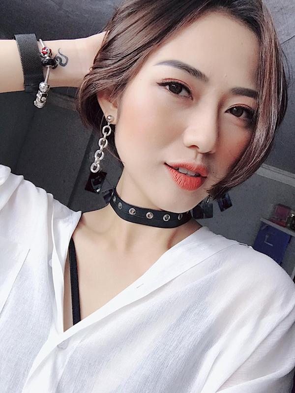 Trang Cherry sinh năm 1991, được nhiều người biết đến qua 5S Online, Khi người đàn ông góa vợ bật khóc, Sống chung với mẹ chồng...