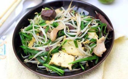 Nếu xào lẫn hoặc ăn gan lợn với giá đậu cùng một lúc hoặc trong thời gian gần nhau sẽ làm vitamin C bị oxy hoá.