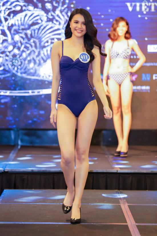 Diệu Thuỳ, em gái của Hoa hậu Đông Nam Á 2012 Diệu Hân cũng để lại ấn tượng với ban giám khảo. Cô sinh năm 1997, đến từ Đồng Nai và sở hữu chiều cao 176cm.