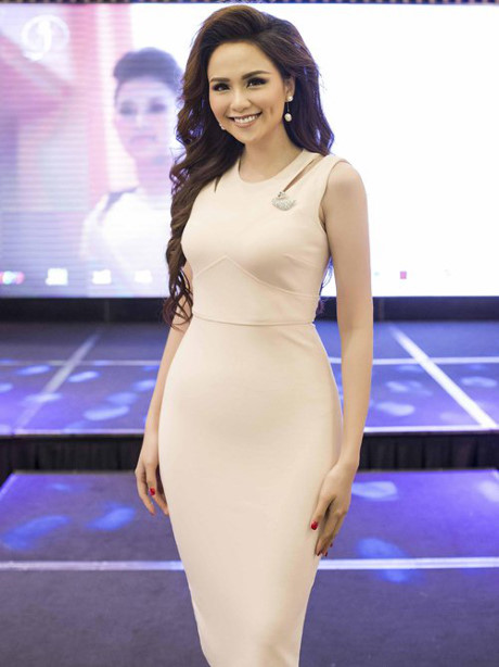 Rất lâu rồi người hâm mộ mới thấy Diễm Hương trở lại với một cuộc thi sắc đẹp