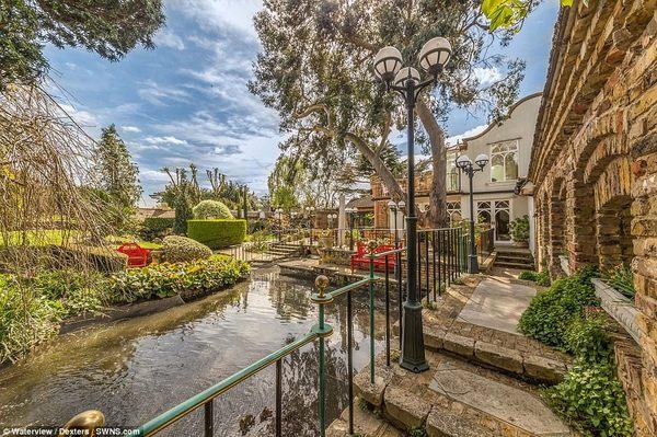 Những góc nhỏ của ngôi nhà gợi nhớ đến khung cảnh Venice lãng mạn