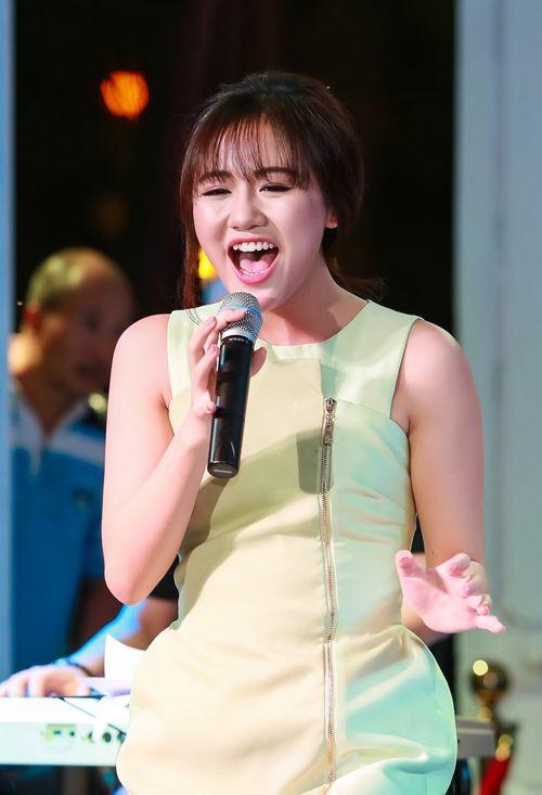 Việc ngoại hình thay đổi thất thường khiến hình ảnh của Văn Mai Hương trong mắt công chúng ít nhiều bị ảnh hưởng.