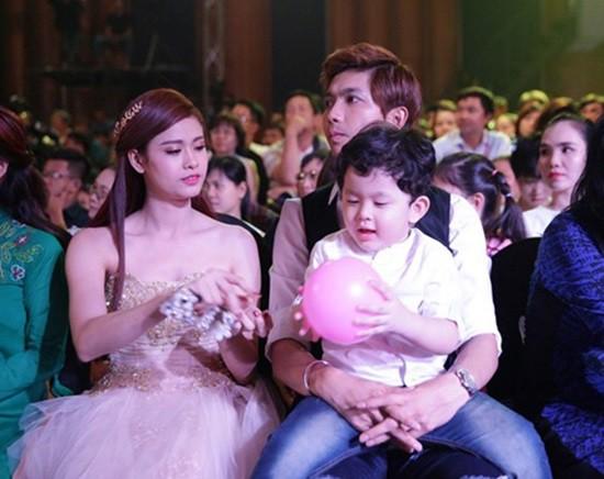 Gia đình Tim - Trương Quỳnh Anh.