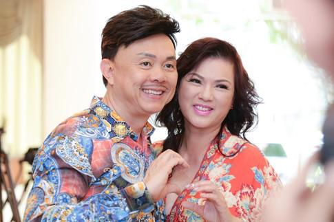 Tuy hay ghen nhưng vợ Chí Tài cũng rất hiểu và thông cảm với nghề nghiệp của chồng