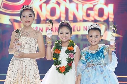 Từ trái qua: bé Ngọc Tâm, Khánh Nhi, Bào Ngư.