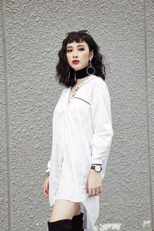 Nữ diễn viên sinh năm 1995 vốn xuất hiện trên phố với gu thời trang cực chất, sành điệu và trẻ trung. Ít ai biết rằng, khi ở nhà, cô cũng có cuộc sống giản dị như bao người khác.