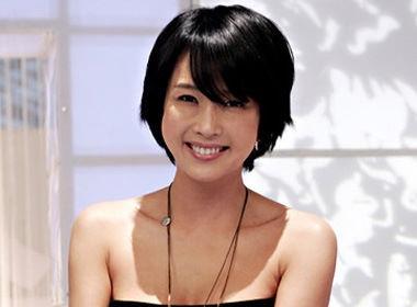 Choi Jin Sil (2/10/2008): Nữ diễn viên đã treo cổ tự tử trong buồng tắm tại nhà riêng sau hàng loạt những áp lực và mệt mỏi trong công việc và cuộc sống. Choi Jin Sil từng bị chồng hành hung đến mức nhập viện, ngưng trệ các hoạt động quảng cáo, sự nghiệp lâm vào bế tắc.