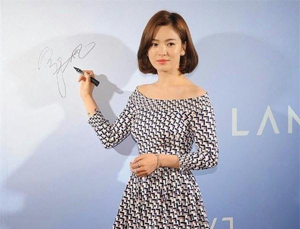 Bí quyết giữ dáng để luôn trẻ đẹp như gái đôi mươi của nữ thần hàng đầu châu Á Song Hye Kyo - Ảnh 11.
