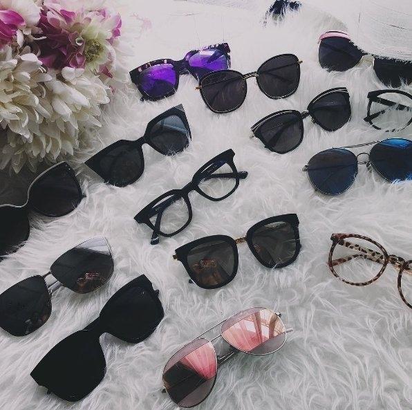 Bộ sưu tập kính và túi của Bảo Thanh.