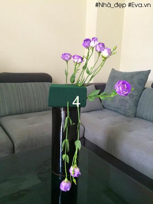 Hàng hoa ở phía dưới cũng ngắn dần xuống sao cho đỉnh bông sau ngang phần đài bông trước
