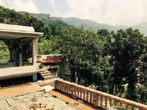 Từ ngôi nhà, có thể nhìn ra nhiều cảnh đẹp của Tam Đảo.