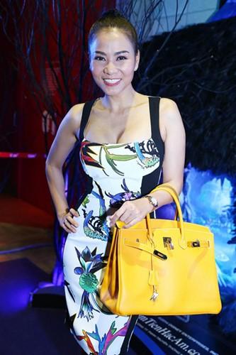 Thu Minh và bộ sưu tập túi đắt đỏ.