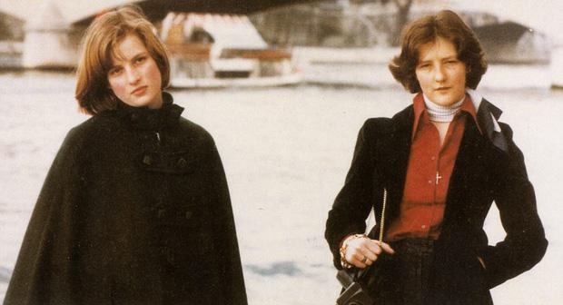 Hình ảnh Công nương Diana trong một chuyến đi du lịch cũng gia đình khi mới 15 tuổi.