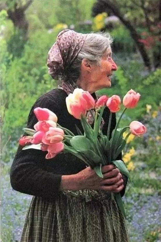 Dù không còn nữa, nhưng bà Tasha đã cho người ta nhìn thấy khung cảnh của một cuộc đời tươi đẹp.