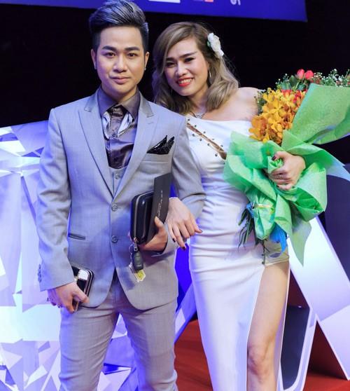 Quách Tuấn Du lần đầu công khai bạn gái khi đi xem live show của Mr. Đàm. Ảnh: Phạm Thế Danh.