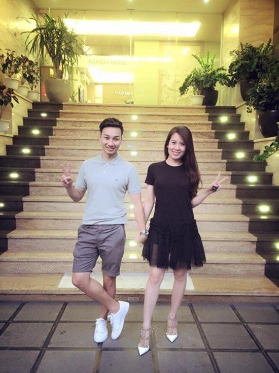 Ngọc Hương – bạn gái mới của Thành Trung từng chia sẻ chuyện tình cảm giữa cả hai bắt đầu vào tháng 7/2013, gây ra hàng loạt chuyện ồn ào giữa người cũ và người mới.
