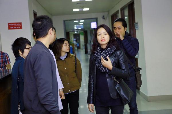 Chị Mai Hoa cho biết, tại Viện huyết học Trung ương, đoàn từ thiện đã trao quà cho 23 trường hợp, còn tại bệnh viện K Tân Triều có 60 suất quà, mỗi suất trị giá 2 triệu đồng.