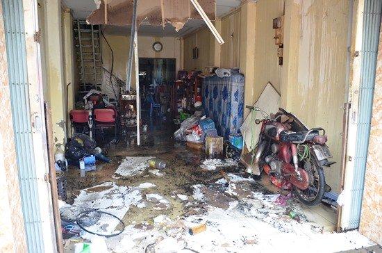 Nhiều tài sản bên trong căn nhà bị cháy đen, hư hỏng
