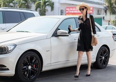 Xe hơi riêng được Tim mua tặng bà xã