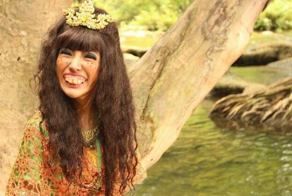 Ida Churasri thường xuyên bị trêu là cô gái có hàm răng phù thủy.