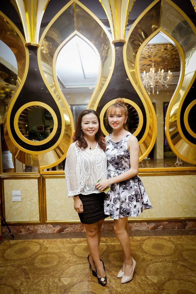 Chị Huyền hiện đang làm chủ một hiệu nhiếp ảnh ở Nghệ An.