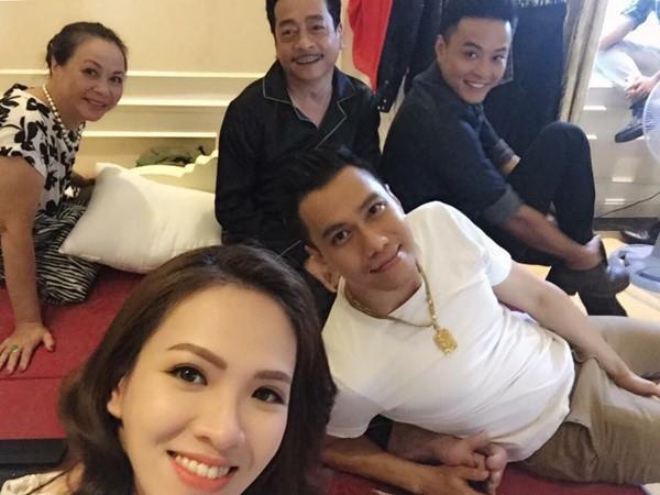 Khoảnh khắc sum vầy hạnh phúc của đại gia đình ông trùm Phan Quân.
