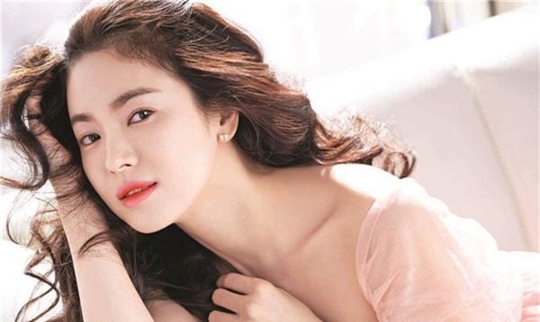 Bí quyết giữ dáng để luôn trẻ đẹp như gái đôi mươi của nữ thần hàng đầu châu Á Song Hye Kyo - Ảnh 3.