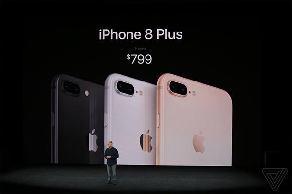 iPhone 8 và 8 Plus có mặt sau bằng kính, sạc không dây.