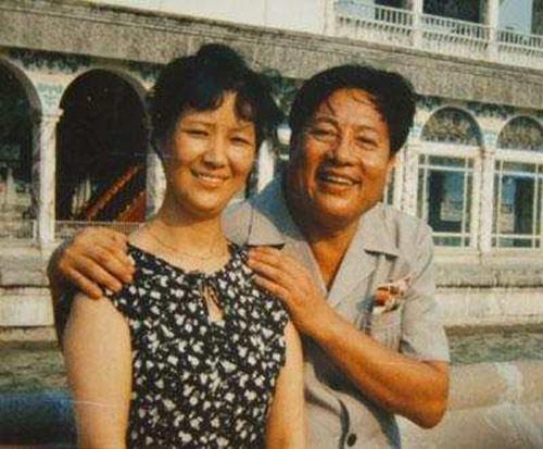 Vợ chồng nghệ sĩ Chu Long Quảng thời trẻ.