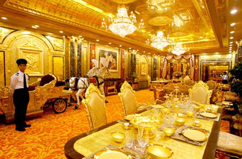 Tại thời điểm khai trương, khách sạn này được định giá 50 triệu USD, tương ứng 1.000 tỉ VND