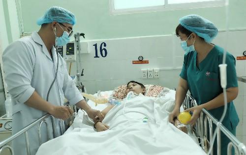 Chị Linh  đang được điều trị tích cực. Ảnh: L.P.