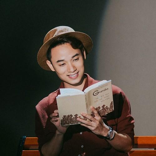 Khánh Linh đánh giá Trúc Nhân là một giọng ca nam thú vị của thị trường âm nhạc hiện tại.