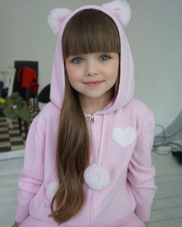 Anastasia đã sớm trở thành gương mặt đại diện của nhiều nhãn hàng thời trang sang trọng.
