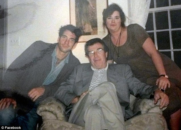 Dylan, em gái Robin Herrera và bố ruột, ông Richard McDermott (Ảnh: Internet)