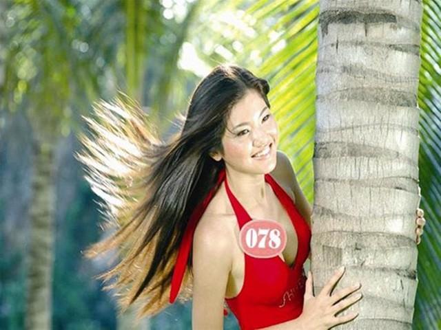"""Á hậu 2 cuộc thi HHVN 2006 Lương Thị Ngọc Lan có vẻ đẹp dịu dàng, phúc hậu. Sau cuộc thi, cuộc sống của Á hậu 2 Hoa hậu Việt Nam 2006 rất kín kẽ, ngay cả chuyện cô lập gia đình cũng vậy, không hề có một thông tin nào được tiết lộ. Đến nay Ngọc Lan đã """"mất tích"""", hoàn toàn không có thông tin nào về cô được chia sẻ trên báo giới những năm vừa qua."""