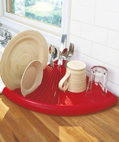 Một chiếc khay có thể vừa để chén đĩa, thìa vừa để được cốc.