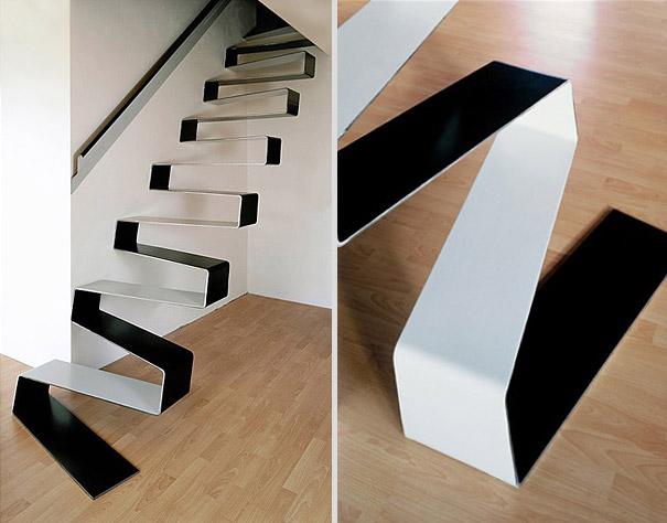 Nhìn qua thì có vẻ mỏng manh nhưng thực ra thiết kế cầu thang này được làm từ thép hết sức chắc chắn đấy!