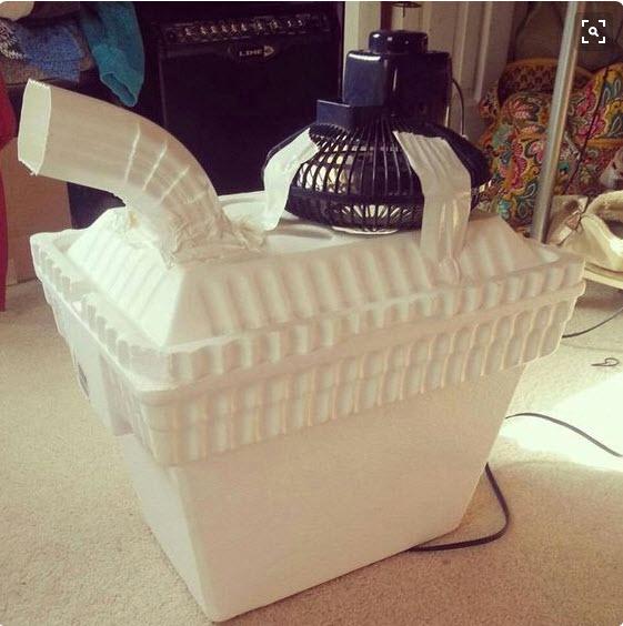 Thùng xốp giữ nhiệt tốt cũng hay được tận dụng để làm thùng điều hòa.